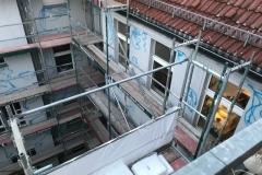 Markierung und Anbohrung der Fassade